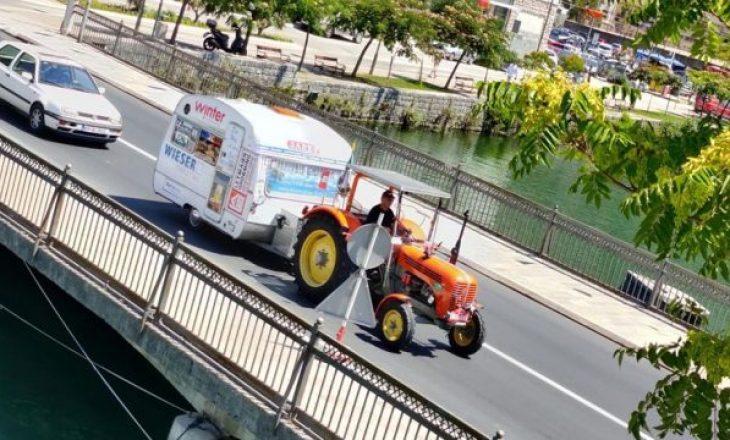 Turistë nga Austria me traktorë për pushime në Mal të Zi